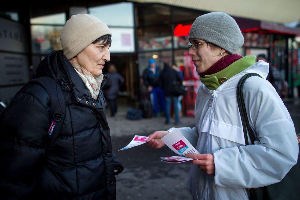 """Vidéo. Référendum contre le """"mariage gay"""" en Slovaquie : des réserves de haine à l'égard des homosexuels"""