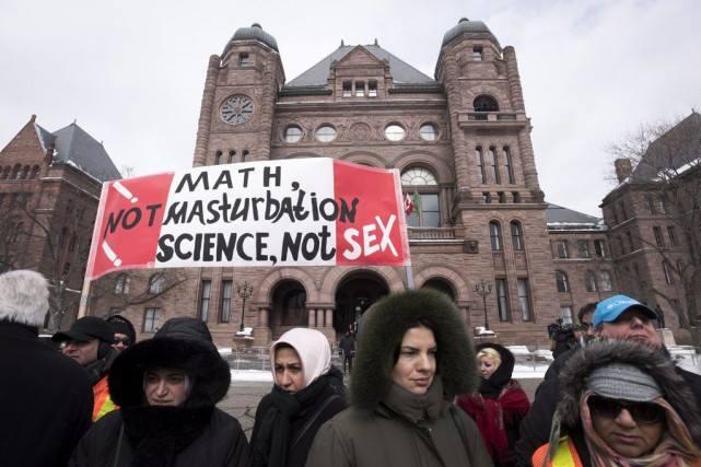 Au Canada, les débats sur l'éducation sexuelle ont des relents d'homophobie