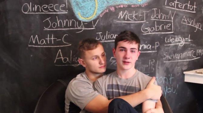 États-Unis : Un étudiant expulsé de son école pour avoir affiché son orientation sexuelle
