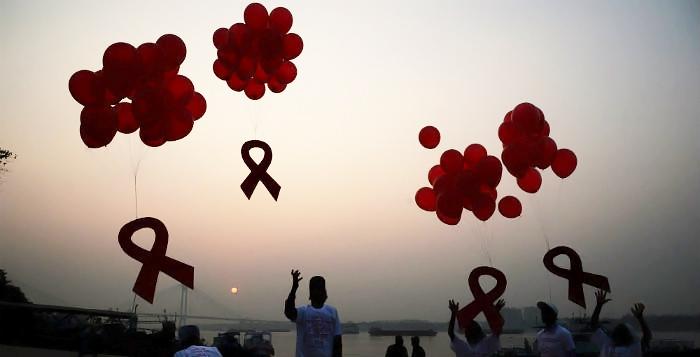 En Belgique, le traitement contre le sida coûte 1.027,5 euros par mois