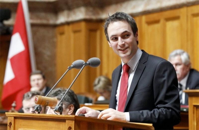 L'homophobie devrait être combattue en Suisse au même titre que le racisme