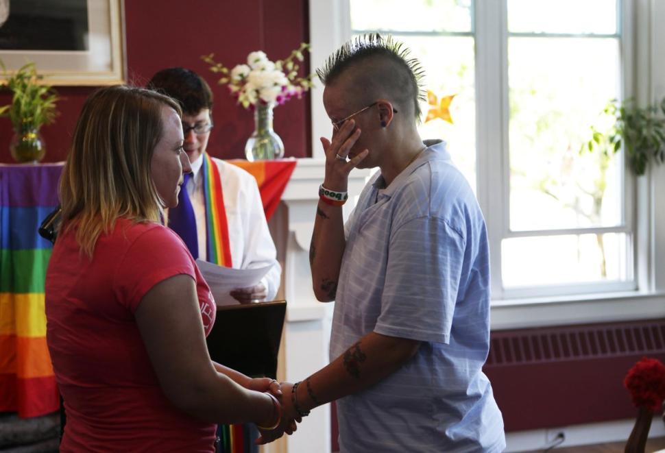 mariage gay in church
