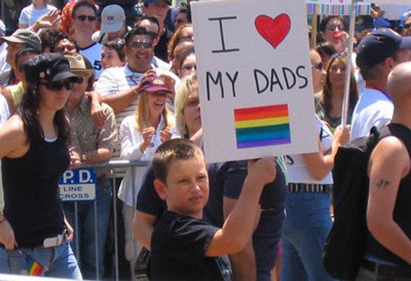 Parentalité : aucune différence significative entre familles homosexuelles et hétérosexuelles