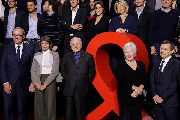 Sidaction 2015 : 4,25 millions d'euros de promesses de dons, en baisse par rapport à 2014