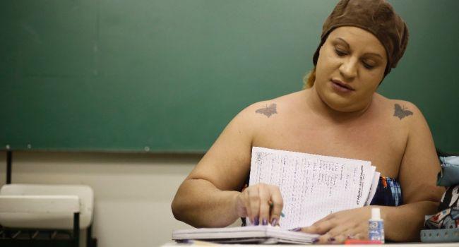 Brésil : A Sao Paulo, les transsexuels retournent sur les bancs de l'école
