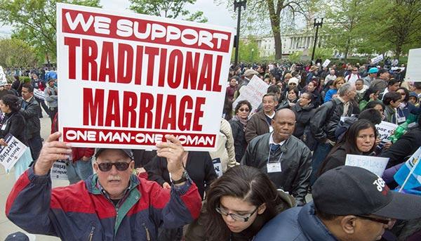 Washington : Une manifestation contre l'égalité des droits du mariage, avant la décision de la Cour Suprême