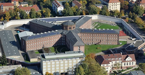 70 détenus d'une prison allemande en «grève de la faim» : un gay travaille en cuisine !