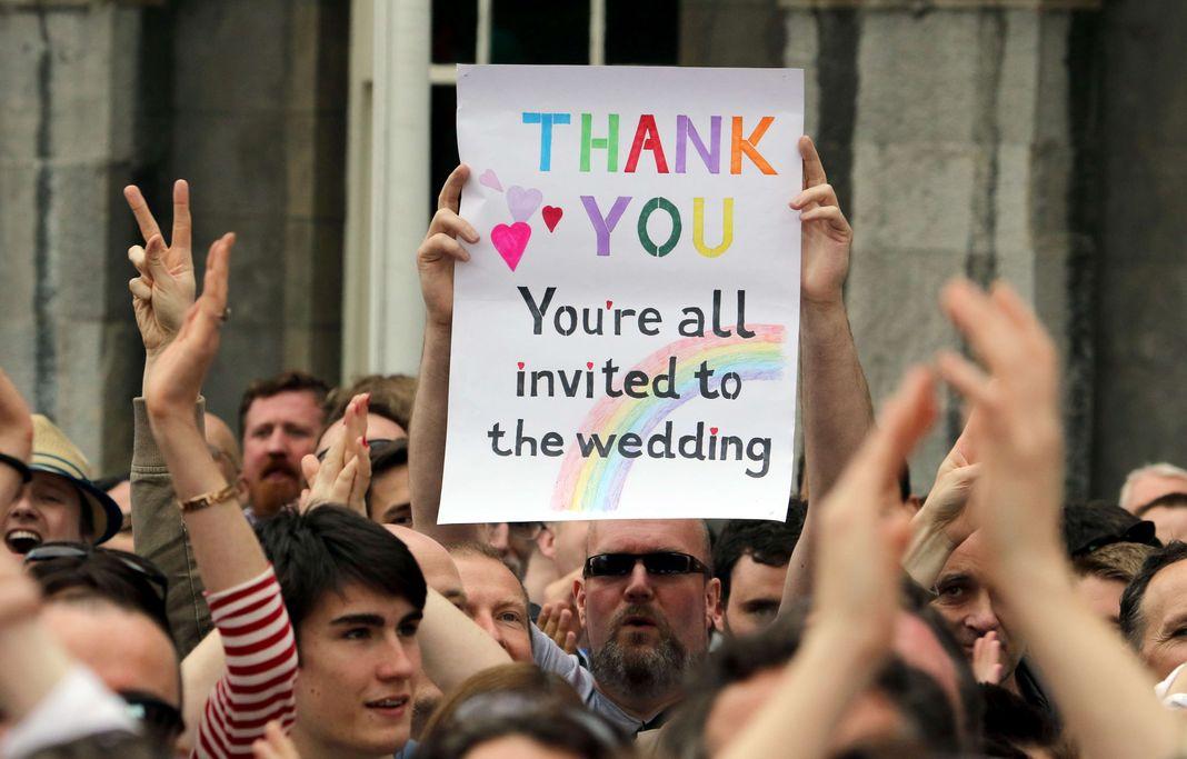 Mariage gay en Irlande : l'Église voit un défi à relever :)