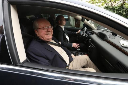 Jean-Marie Le Pen condamne les homosexuels «quand ils chassent en meute»