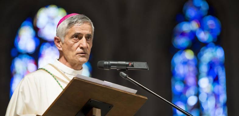 """Dans «Le Nouvelliste» Mgr Jean-Marie Lovey reste persuadé que """"l'homosexualité peut être guérie"""" !"""