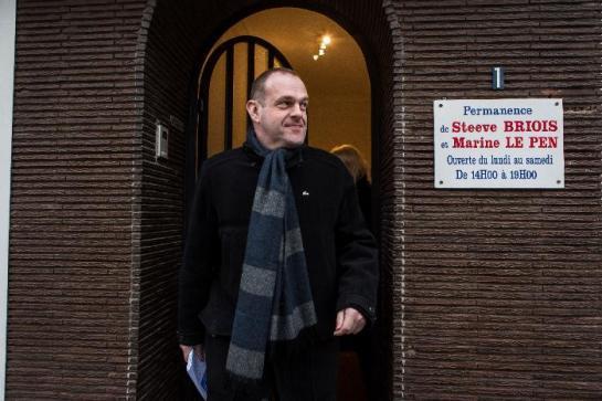 Front national : Steeve Briois veut encore faire condamner un livre révélant son homosexualité