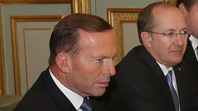 """Le conjoint de l'ambassadeur d'Australie en France, prié de """"rester caché"""" lors d'une visite officielle à Paris"""