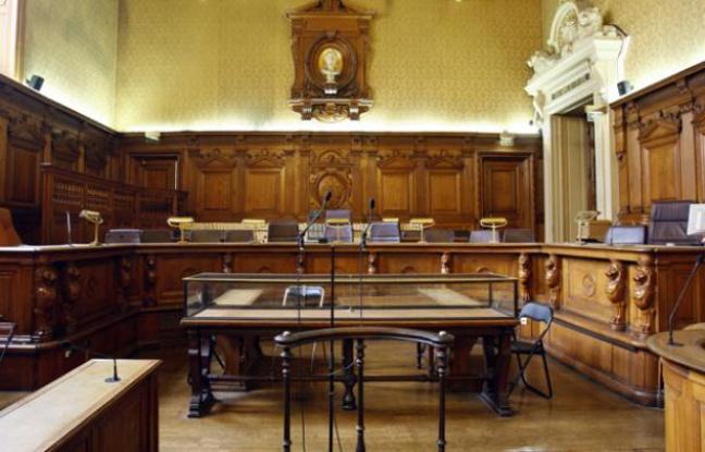 Jugé à Paris pour le meurtre d'un homosexuel, 20 ans après les faits