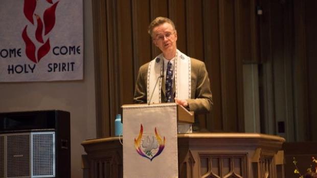 Pour la rémission des péchés de l'Église : un pasteur canadien demande pardon à toute la communauté LGBT