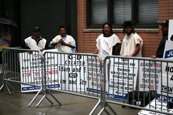 A New York, des juifs orthodoxes engagent des Mexicains pour manifester à leur place contre le mariage gay