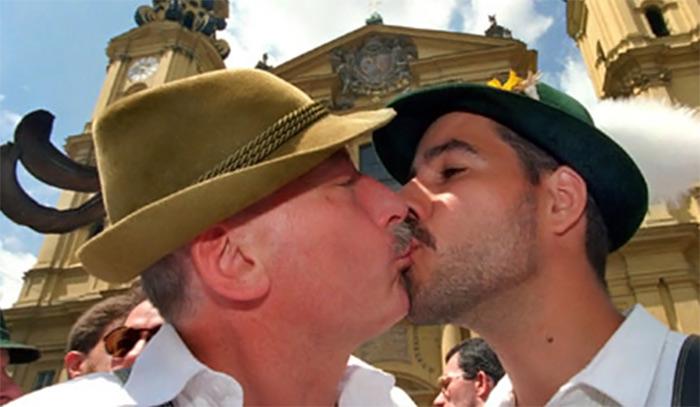 sexe de mariage gay huilée porno massage