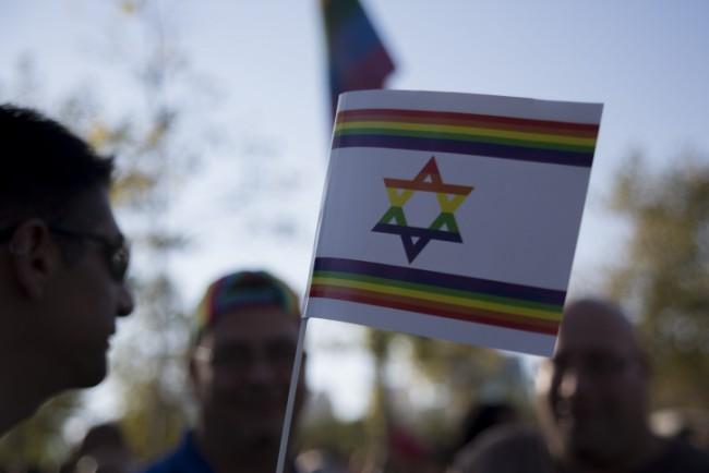 Les transgenres sous les projecteurs de la gay pride de Tel-Aviv