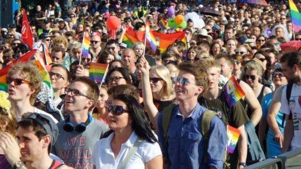 Pologne : Plus de 20.000 participants à la « Marche pour l'Égalité » de Varsovie