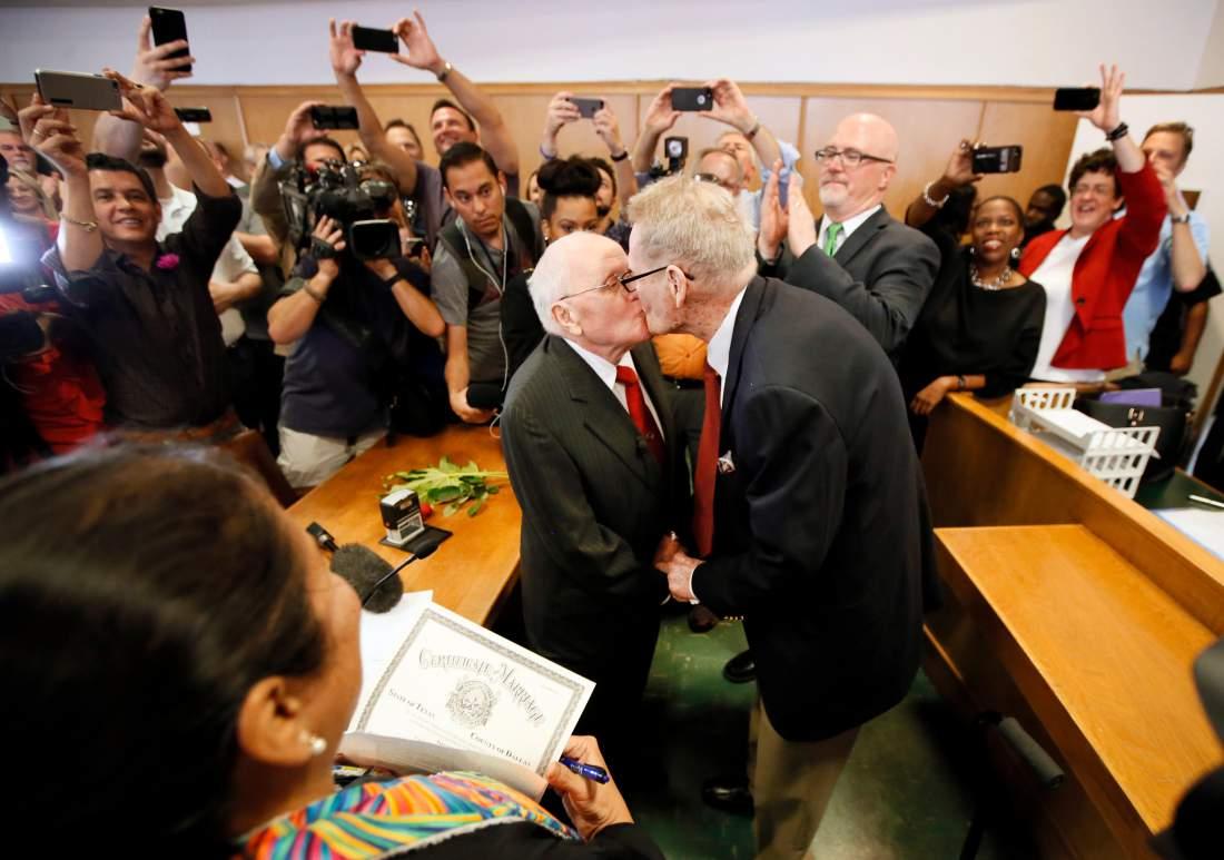 Au Texas : George et Jack, après 54 ans de vie commune, ont enfin le droit de se marier