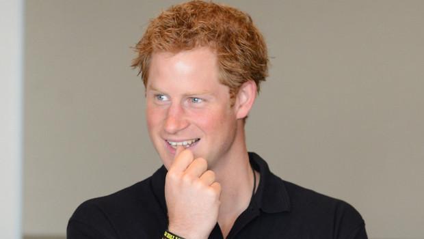 Friendly People : La fois où le Prince Harry a « désamorcé » une agression homophobe !