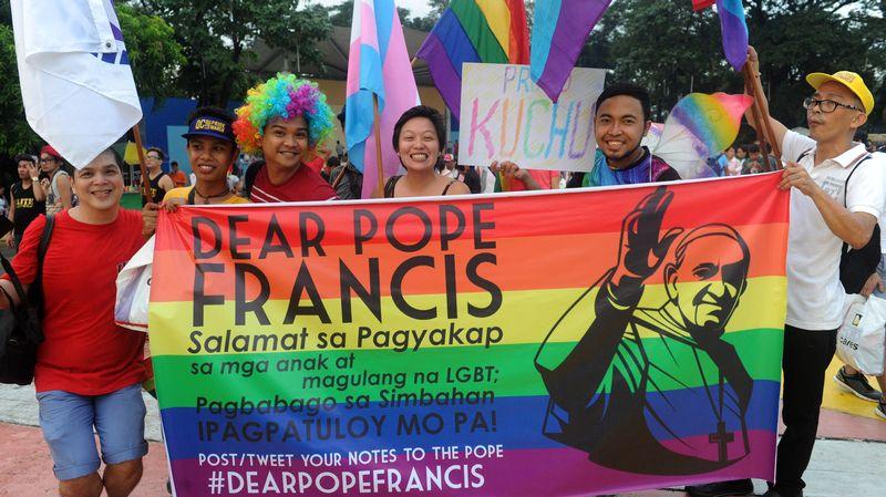 Visite du pape au Paraguay : Panneaux et slogans sur l'avortement ou les homosexuels interdits !