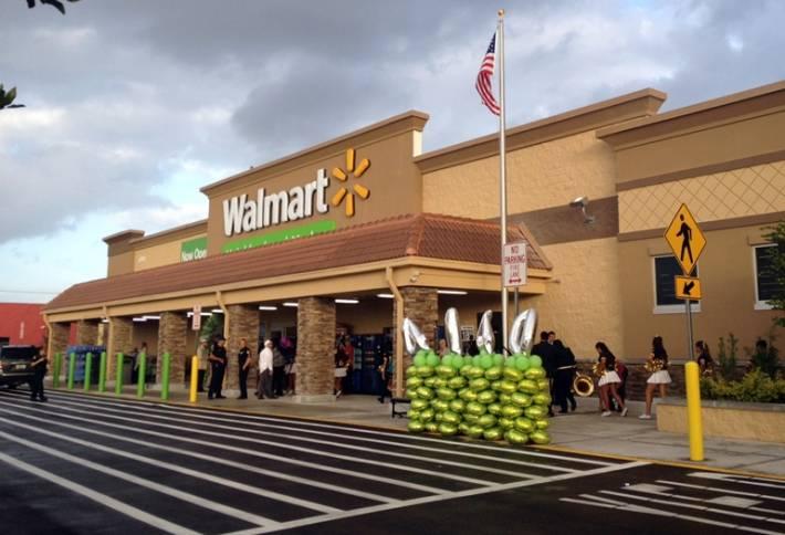 Aux États-Unis : Wal-Mart accusé de discrimination envers les couples homosexuels
