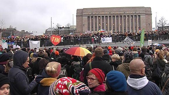 """En Finlande : L'ouverture du """"mariage pour tous"""" compromise par une pétition"""