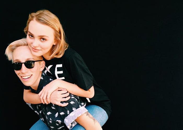 Dans « Self Evident Truths » : Lily-Rose Depp se considère comme « tout sauf hétérosexuelle »