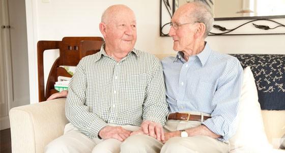 En Australie : Un couple d'octogénaires homosexuels revendiquent le droit de se marier