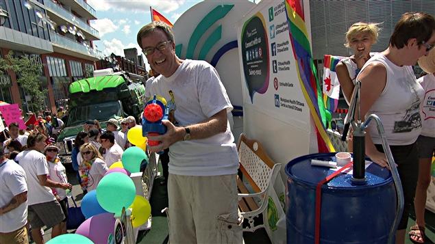 Vidéos : 100 000 personnes pour les 30 ans de la « Pride » à Ottawa