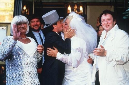 """Vidéos souvenirs : Il y a 30 ans, Coluche """"épousait"""" Thierry Le Luron"""