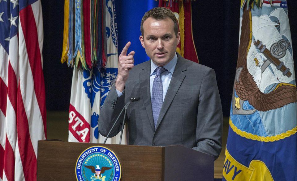 Vidéo. Obama nomme Eric Fanning : Le premier secrétaire à l'Armée de terre ouvertement gay