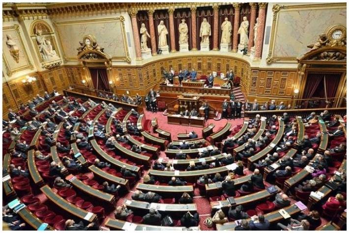 Loi Santé : Les sénateurs acceptent le don de sang par les homosexuels