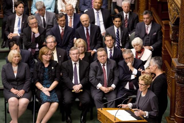 Diversité : L'Ontario remplace les terminologies de genre de ses formulaires par des termes neutres