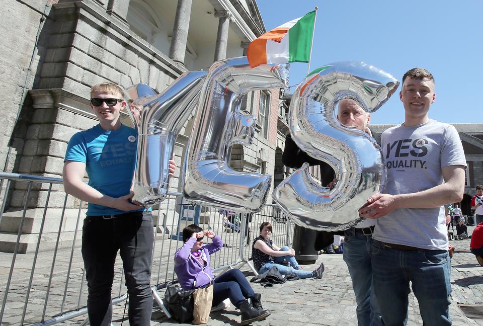 Cinq mois après son adoption par référendum, le mariage pour toutes et tous est promulgué en Irlande