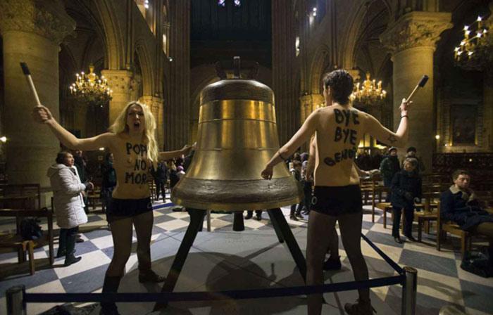 Dégradations d'une cloche de Notre-Dame : relaxe confirmée en appel pour huit Femen