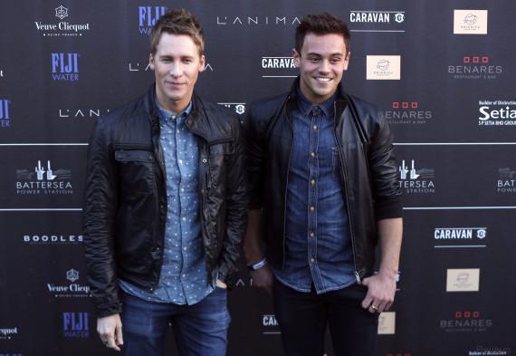 People : Tom Daley et Dustin Lance Black se sont fiancés après deux ans de vie commune