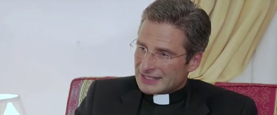 Après son coming out, Mgr Krzysztof Charamsa se confie :  Pas de lobby gay au Vatican