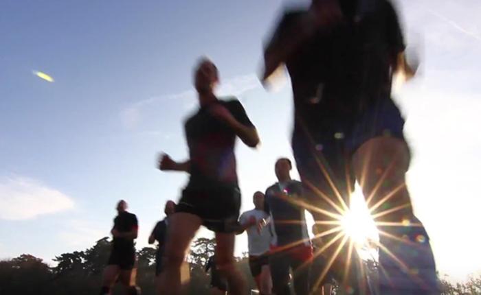 """Vidéo. """"Les coqs festifs"""" : le club de rugby parisien folklo hétéro & friendly"""