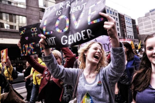 Melbourne : Un projet de loi ouvrant l'adoption aux couples homosexuels devant le parlement du Victoria