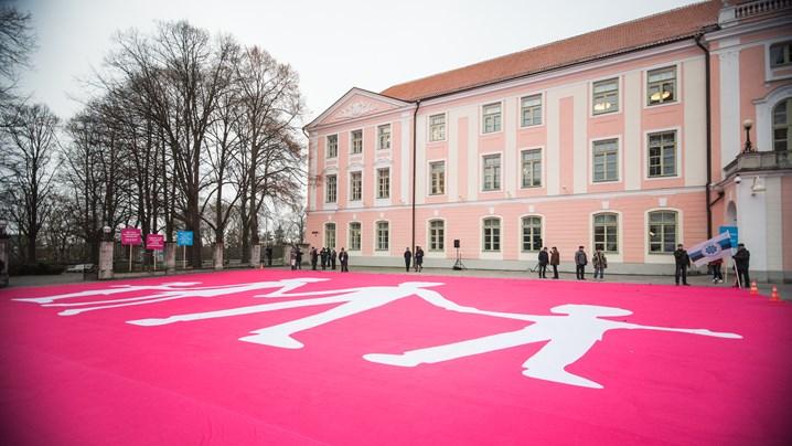 Estonie : des opposants à l'union civile contestent le projet de loi pour « raisons économiques »