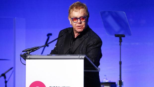 Lutte contre le Sida : « la stigmatisation de l'homosexualité favorise la propagation du virus », souligne Elton John
