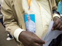 Enquête : Les enjeux de la visite du pape pour la communauté LGBT en Afrique