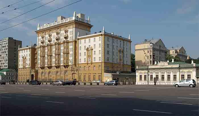 Moscou : Quand l'ambassade américaine tourne en dérision un « faux » document diplomatique, discréditant sa politique pro-LGBT