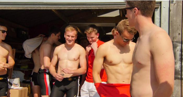 Vidéo. Les étudiants du club d'aviron de Warwick dévoilent leur nouveau calendrier 2016 pour lutter contre l'homophobie