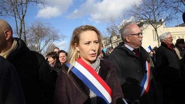 Régionales PACA : Estrosi (LR) et Castaner (PS) boudent la Manif pour tous, Marion-Maréchal Le Pen (FN) y va