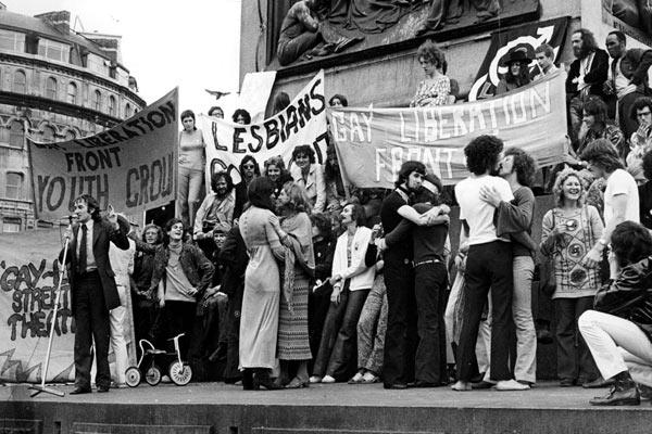 """When We Rise : une série sur les droits des homosexuels avec l'équipe du film """"Harvey Milk"""""""