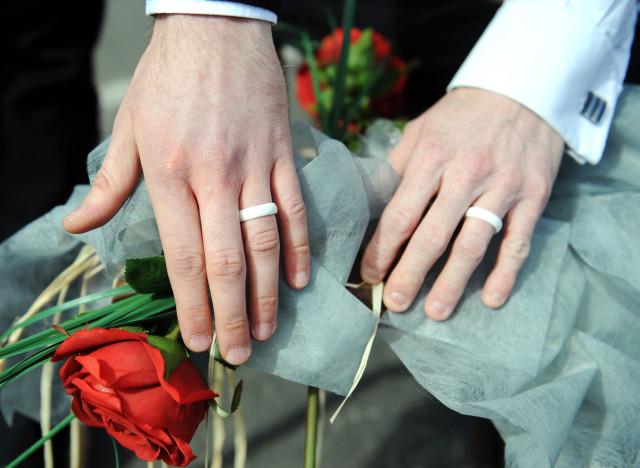 En Suisse, le Parlement planche sur un projet d'ouverture du mariage aux couples homosexuels