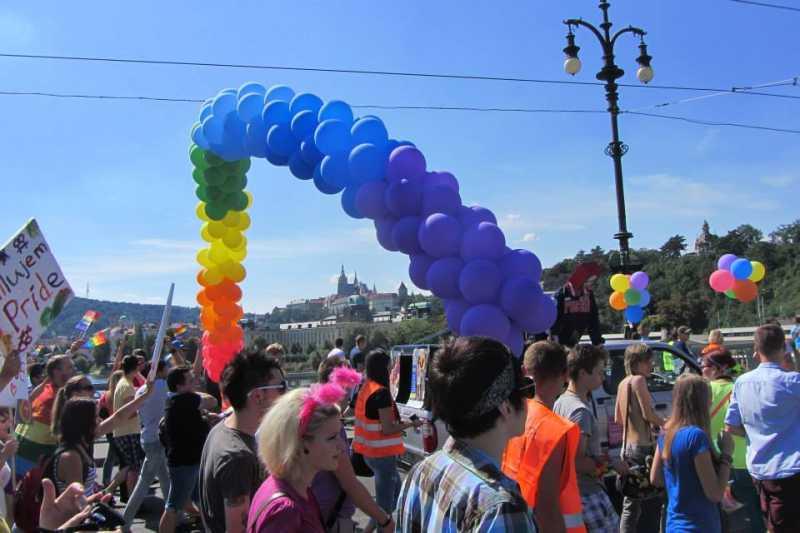 La justice tchèque reconnaît désormais les décisions étrangères en matière d'adoption pour les couples de même sexe
