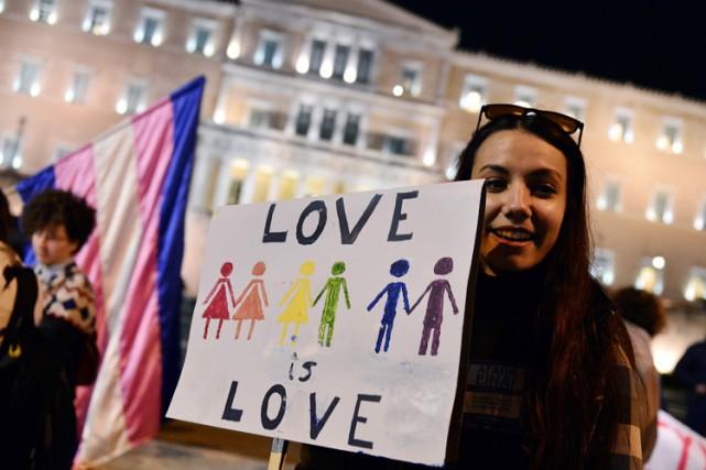 Le parlement grec approuve l'union civile pour les couples homosexuels en dépit de l'opposition de l'Église orthodoxe